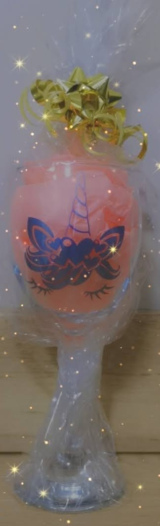 Snapchat-76555486   Perersonalised Wine Glass